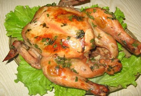 Рецепт запеченной курицы с чесноком и с картошкой в духовке