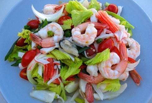 Салат с морского коктейля фото